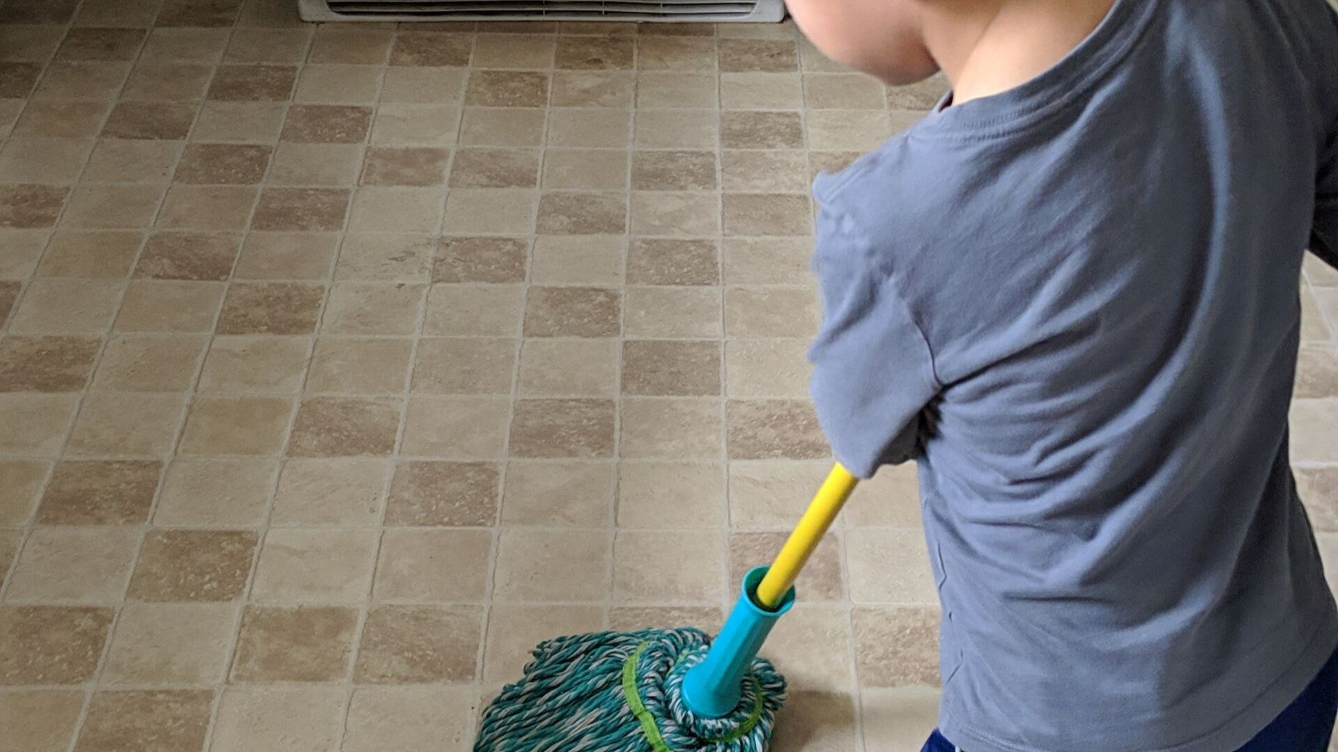 Why You Need To Introduce Chores To Kids (And How To Do It So They Don't whine About It) 1