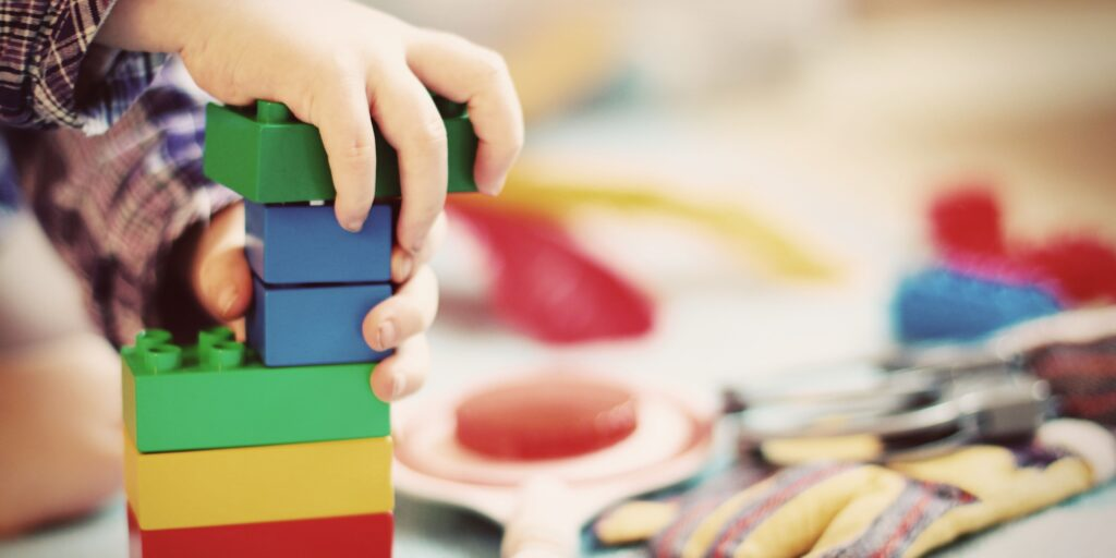 Why Minimizing Toys Can Help Promote Imagination In Kids